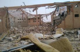 Centro de tratamiento contra el cólera bombardeado en Abs, Yemen.