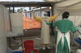 El equipo de Médicos Sin Fronteras en el centro de tratamiento del Ébola en Goma, República Democrática del Congo.