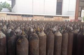 Tanques de oxígeno en el patio de nuestro centro COVID-19 en Adén, Yemen.